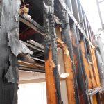 火災で焼けた柱