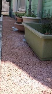 固まる砂利施工例